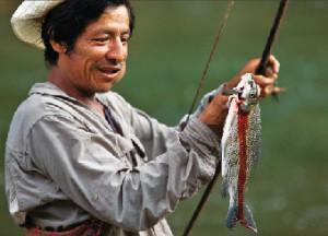 Yuracara Guide Displaying Sabalo Caught with Bow