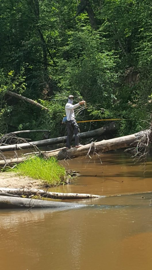 East texas barefoot wet wading american angleramerican for Eastern fly fishing magazine